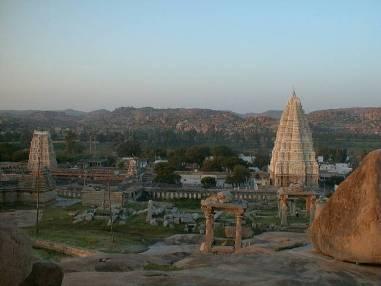 ブッタガヤの寺院