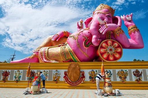 ピンクのガネーシャ神